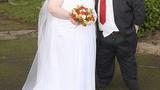 Ảnh ngộ nghĩnh về cặp vợ chồng béo nhất nước Anh