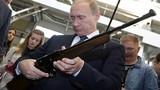 Vũ khí trong tay Tổng thống Nga Vladimir Putin