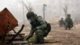 """Công binh Nga """"oằn mình"""" làm sạch bom mìn tại Aleppo"""
