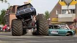 Clip xe thể thao biểu diễn gây tai nạn khủng khiếp