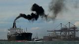 Có nhiều cảng, Trung Quốc lao đao vì ô nhiễm hàng hải
