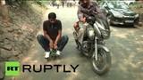 Thích thú đi trên xe máy nhỏ nhất thế giới
