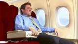 8 cách xua tan nỗi sợ hãi khi đi máy bay