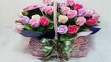 """Video: """"Chiêu"""" làm hoa hồng bằng giấy đẹp như thật cho ngày 20/10"""