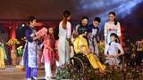 Ngọc Hân, NSND Minh Châu diễn thời trang cùng người khuyết tật