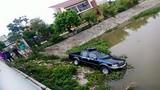 Ô tô của cảnh sát 113 lao xuống sông ở Hải Phòng