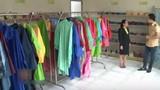 Mẹo bảo quản áo mưa bền đẹp không phải ai cũng biết