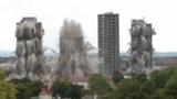 Choáng 3 tòa chung cư đồ sộ bị nổ sập trong tích tắc