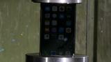 Xem tra tấn iPhone 7 tàn nhẫn bằng máy thủy lực 1.000 tấn
