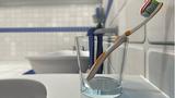 8 vật dụng cá nhân tốt nhất nên để ngoài nhà tắm