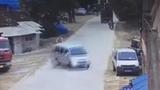 Tài xế sử dụng phanh điệu nghệ tránh tai nạn thảm khốc