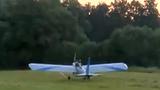 Tự chế máy bay đi làm để tiết kiệm 5 phút