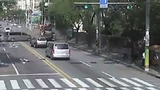 Clip: Xe tải gây tai nạn liên hoàn kiểu ngược đời