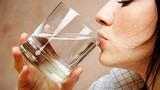 Tác dụng của việc uống nước đúng cách vào buổi sáng