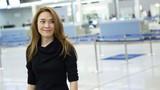 Mỹ Tâm xuất hiện giản dị vẫn nổi bật tại sân bay