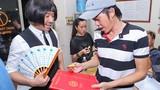 Chạy show, Trấn Thành tranh thủ gửi thiệp cưới cho Hoài Linh
