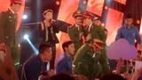Sơn Tùng M-TP ngừng hát vì fan chen lấn đến ngất xỉu