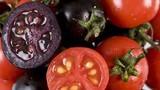 Ăn rau củ quả đột biến có màu lạ, không sợ độc hại