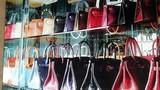 Tủ hàng hiệu gây choáng của nữ đại gia nhiều túi Hermes nhất thế giới