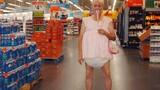 Té ghế với những hình ảnh quái dị trong siêu thị