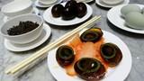 Khám phá món trứng đen thế kỷ hút khách của Trung Quốc