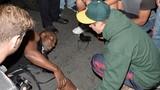 Justin Bieber đâm ô tô vào paparazzi, gây náo loạn đường phố