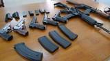 Giật mình với súng đồ chơi không khác súng thật