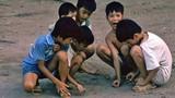 Ảnh hiếm: Trẻ em Hà Nội 1990 của phó nháy Đức