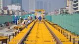 Cận cảnh lắp đặt ray tàu điện đường sắt trên cao Hà Nội