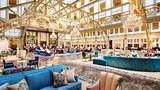Bên trong khách sạn 200 triệu USD vừa mở của Donal Trump