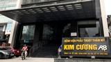 Chủ Bệnh viện Thẩm mỹ Kim Cương bị tố giật túi, hành hung khách