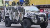 Xe thiết giáp mới của Ukraine sẵn sàng tiến về miền đông