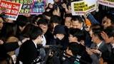 """Bà Choi Soon-sil khiến Tổng thống Hàn Quốc """"thân bại danh liệt"""""""