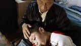 Bé trai 10 tuổi bị bạo hành rạn sọ thoát khỏi nhà bố đẻ thế nào?
