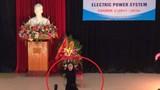 Lố bịch nữ sinh Điện Lực nhảy khêu gợi trong lễ trang nghiêm
