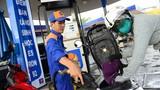 Giá xăng vẫn giữ nguyên, dầu tăng nhẹ dịp cận Tết