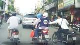 Mẹ chết, con nhập viện sau khi bị cướp túi ở Sài Gòn