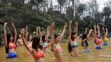 Mãn nhãn màn tập yoga dưới nước của mỹ nữ Trung Quốc
