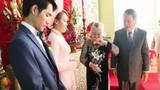 Bà ngoại tặng quà cưới 10 cây vàng cho cháu gái