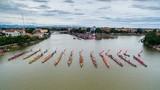 Ảnh: Hàng nghìn người xem đua thuyền ở quê hương tướng Giáp