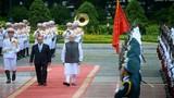 Chùm ảnh: Thủ tướng Ấn Độ thăm Nhà sàn Bác Hồ