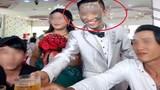 Xôn xao chú rể xăm mặt chi chít trong đám cưới Nha Trang