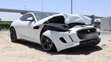 """Xót xa nhìn xế tiền tỷ Jaguar F-Type R """"nát đầu"""" tại Dubai"""
