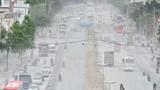 """Kinh hoàng bão bụi trên con đường """"nhà biến thành hầm"""" ở Sài Gòn"""