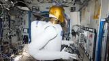 Cận cảnh robot hỗ trợ con người làm việc ngoài vũ trụ
