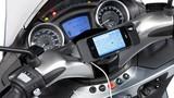 Xe Piaggio sử dụng Iphone để hỗ trợ người lái