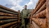 Cận cảnh Tổng thống Ukraine thị sát chiến hào miền Đông Donetsk
