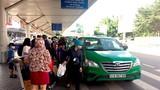 Taxi sân bay Tân Sơn Nhất làm hành khách khốn khổ