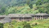 Ảnh: Hàng loạt biệt thự bỏ hoang dưới chân núi Sơn Trà
