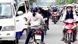 Video: Hàng loạt xe đi ngược chiều bị CSGT Hà Nội xử lý